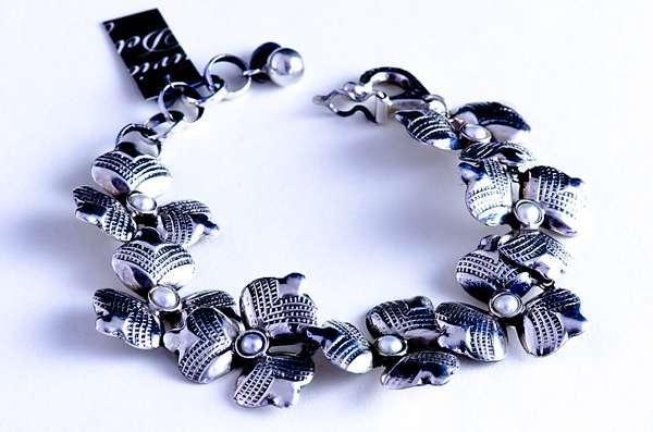 Flower-silver-bracelet